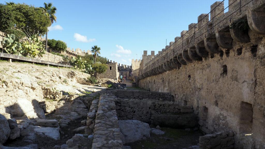 Ausgrabungen, Castell de Capdepera, Mallorca