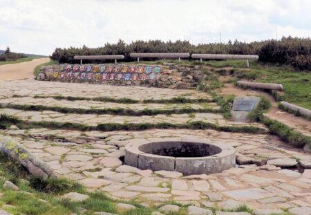 Špindlerův Mlýn – Medvědín – Pramen Labe Spindlermühle – Schüsselberg – Elbquelle